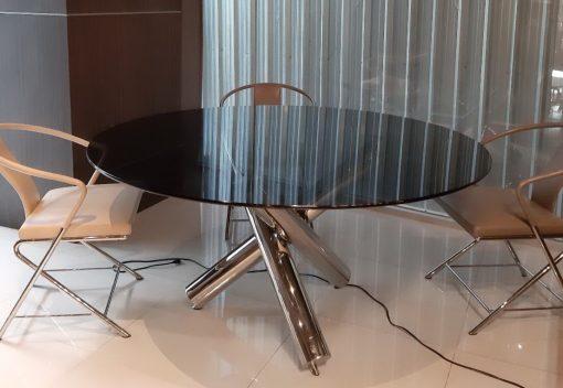 Verde Helix Table
